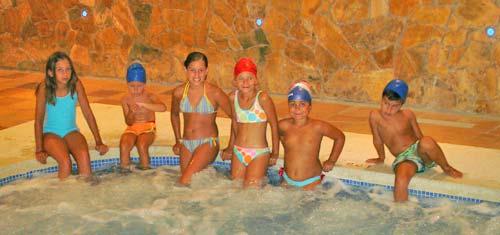 Hoteles para ni os benidorm alicante hotel mediterr neo - Hoteles con piscina climatizada para ir con ninos en invierno ...